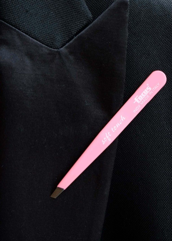 FT_Soft_Light_Pink_tuxedo_web_støv